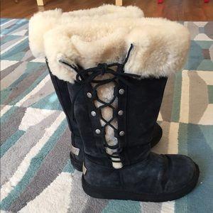 Like-new sz 6 Black UGG boots
